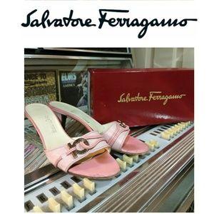 🆕 Vintage Ferragamo Pink Kitten Heels